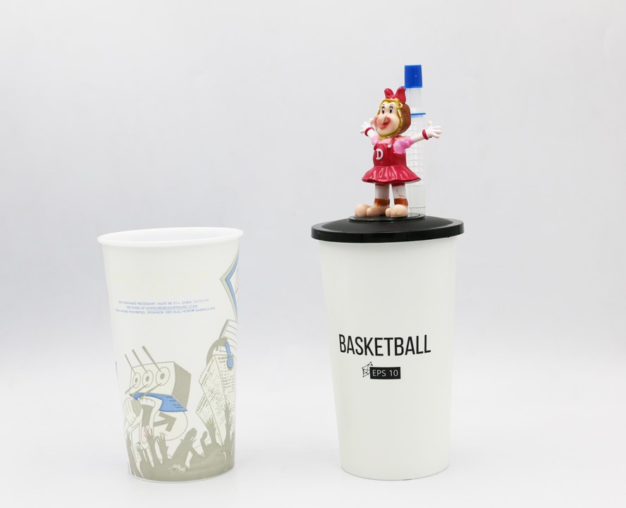 3D FIGURINE CUP WITH STRAW 1